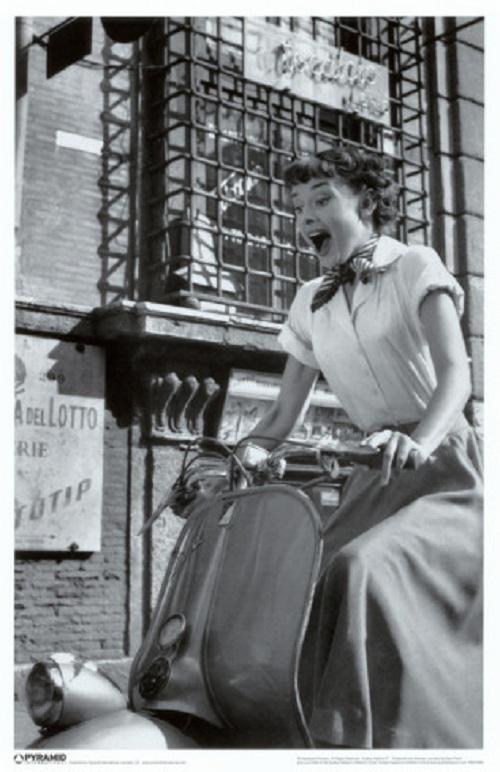 Audrey Hepburn vespa
