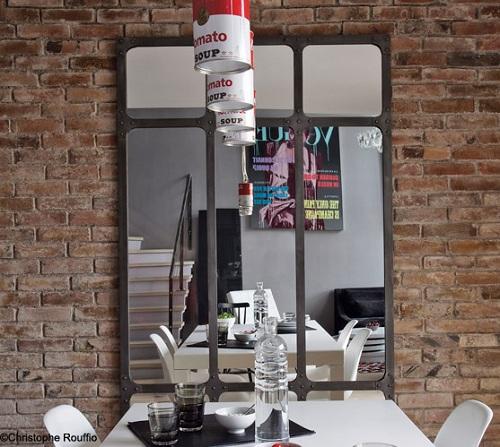 Grigio negli interni - Specchio stile industriale ...
