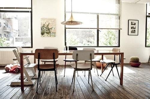 Forum tavolo classico con sedie moderne for Sedie vintage design