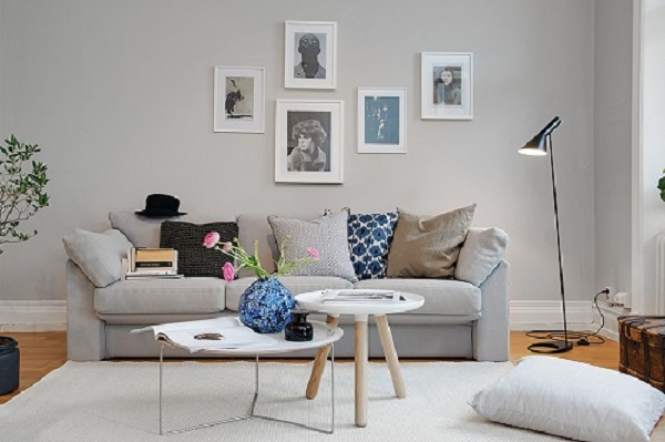 Home tour svezia mon amour interior break for Arredamento pareti grigie