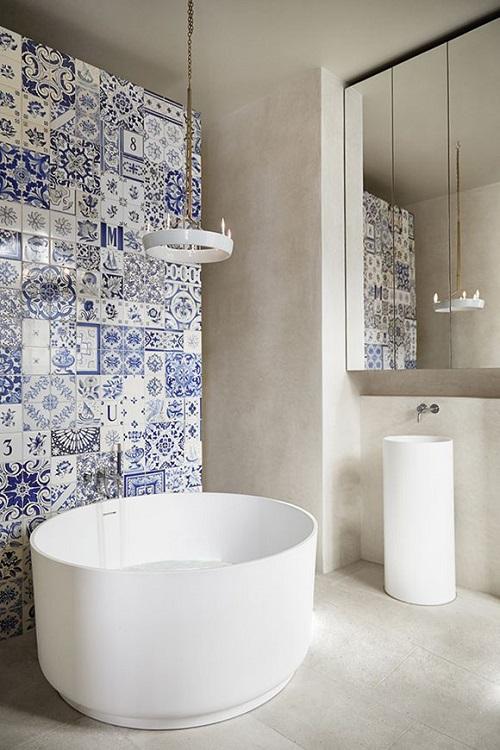 Bagno Con Rivestimento In Legno E Piante Interior Design : Bagno con ...