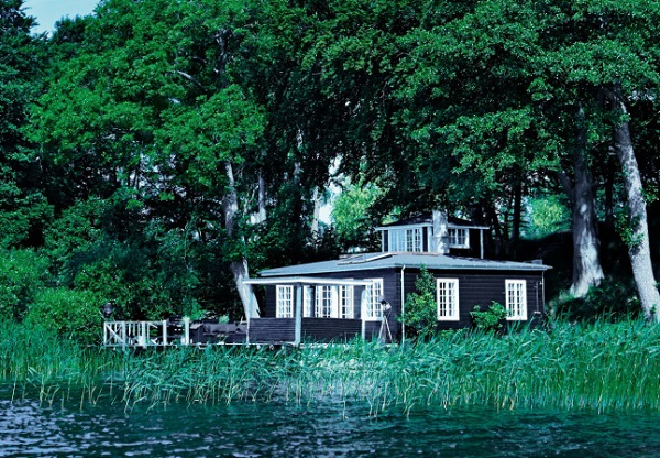 denmark-cottage-via-interiorbreak-1