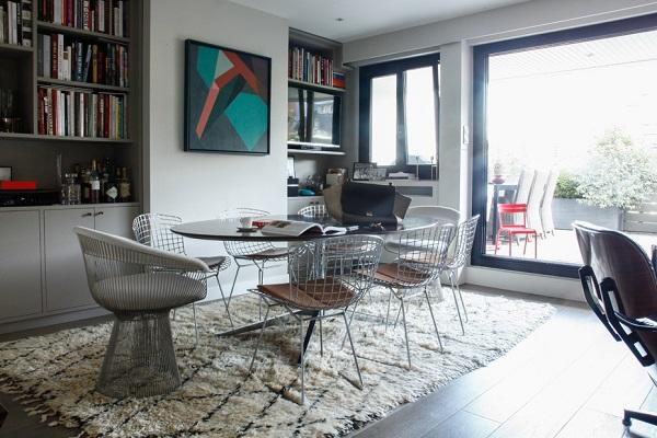 Un affascinante appartamento eclettico a Parigi