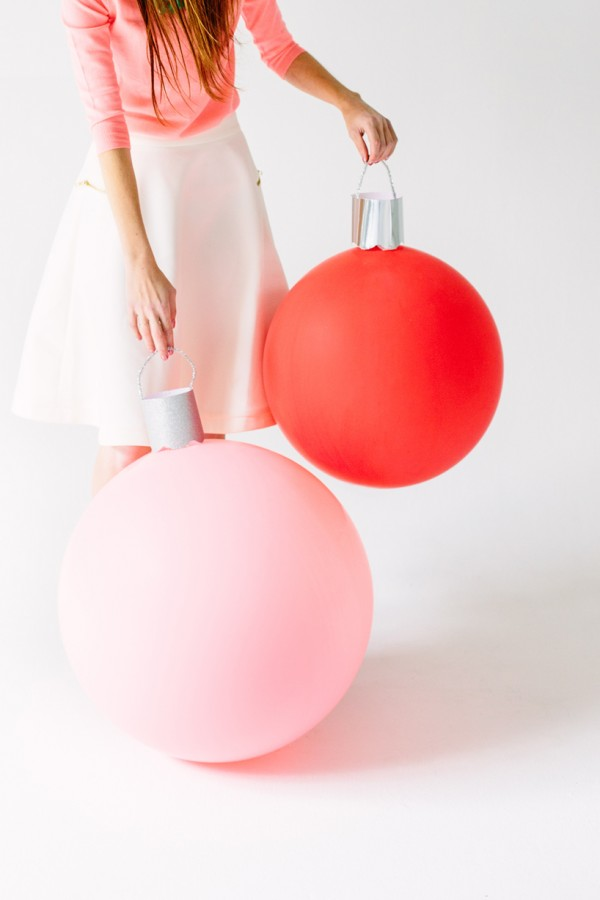 DIY-giant-ornament-balloons-studio-diy