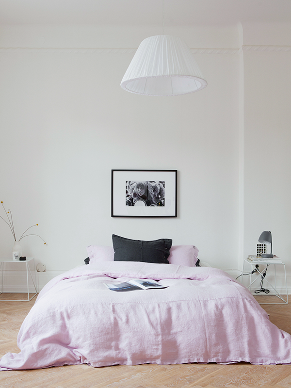 pink-bedding-via-interior-break-5