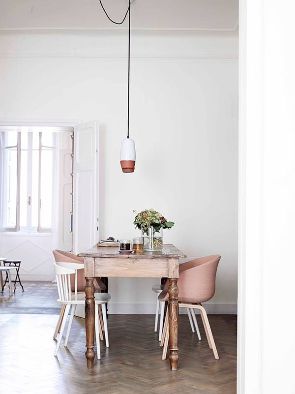 pink-chairs-via-interior-break-3