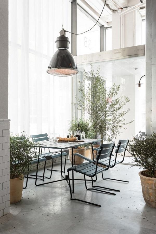 Usine - un bistrot ricavato da un ex spazio industriale a Stoccolma