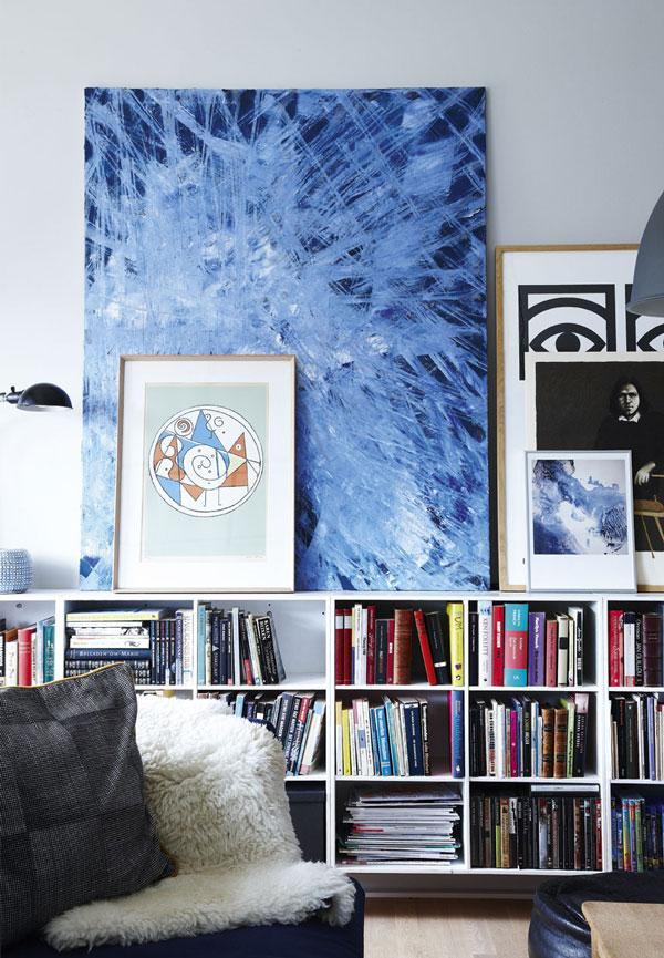 casa con accenti blu