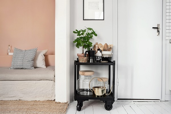 Una stanza total pink - Interior Break