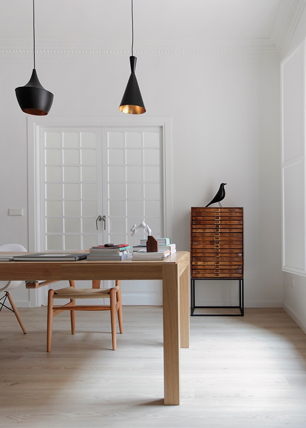 eames house bird l 39 iconico uccellino di vitra interior. Black Bedroom Furniture Sets. Home Design Ideas