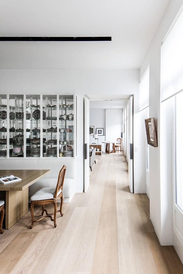 Tra i tetti di parigi interior break for Interni parigini