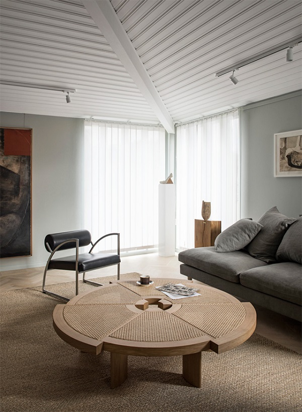 tavolino Rio, design by Charlotte Perriand, Cassina