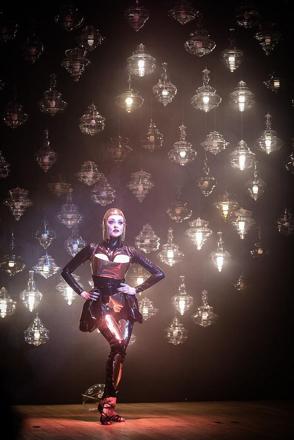 installazione Lasvit, Teatro Gerolamo, Fuorisalone 2018