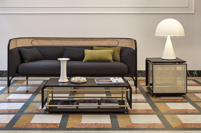tavolino WIENERBOX, design Cristian Mohaded per Gebruder Thonet Vienna
